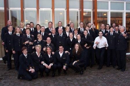 Groepsfoto bij terugkomst in Doornenburg